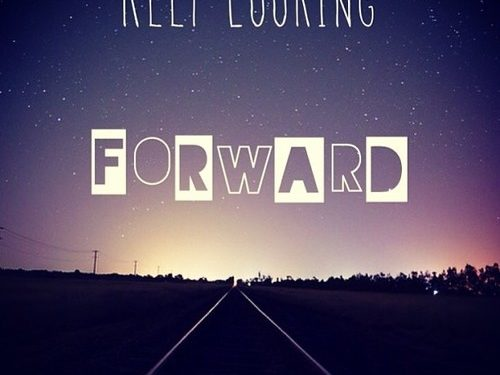 31582-Keep-Looking-Forward