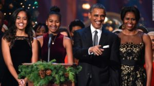 150723174958-obama-family-christmas-2014-restricted-super-169